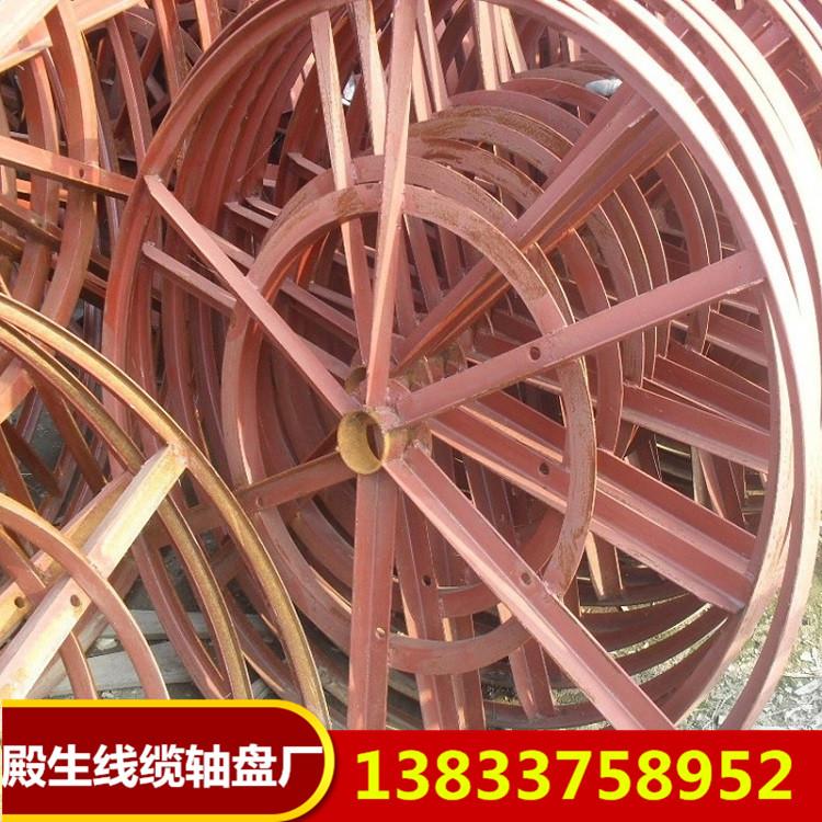 旧铁木电缆轴盘
